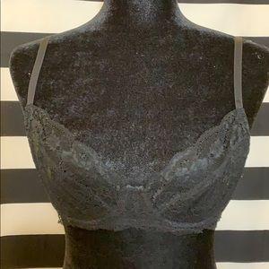 H&M lace underwire bra w/ gold hardware